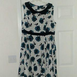 White Floral Dress w/Collar NWT 4x